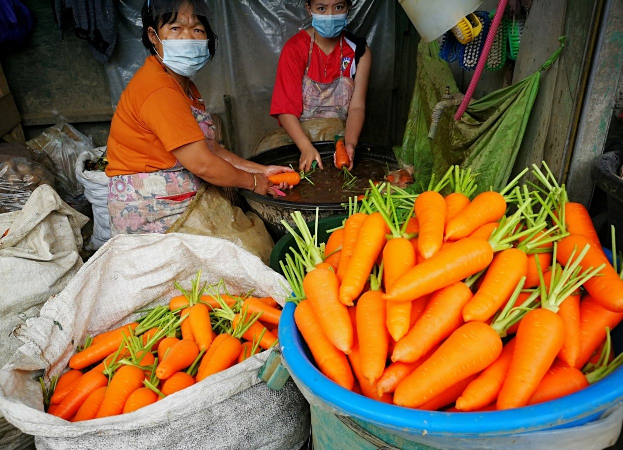 Food remains a necessity that drives retail in the Baguio market. PHOTO BY EV ESPIRITU