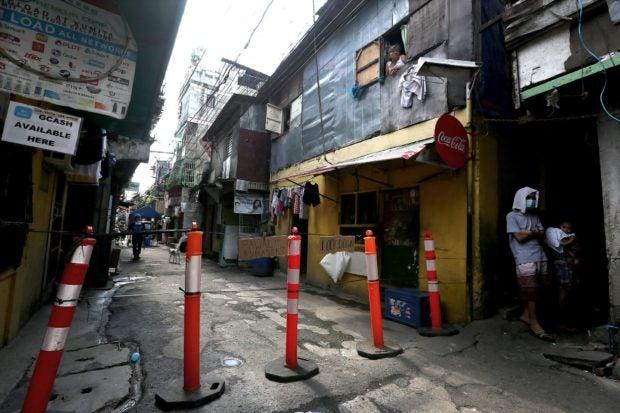 Metro Manila still at high risk for COVID-19 exposure